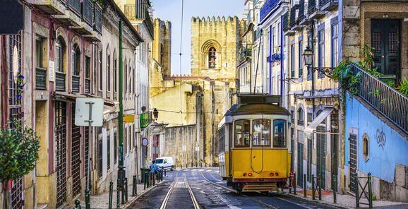 疫情冲击葡萄牙两大支柱产业