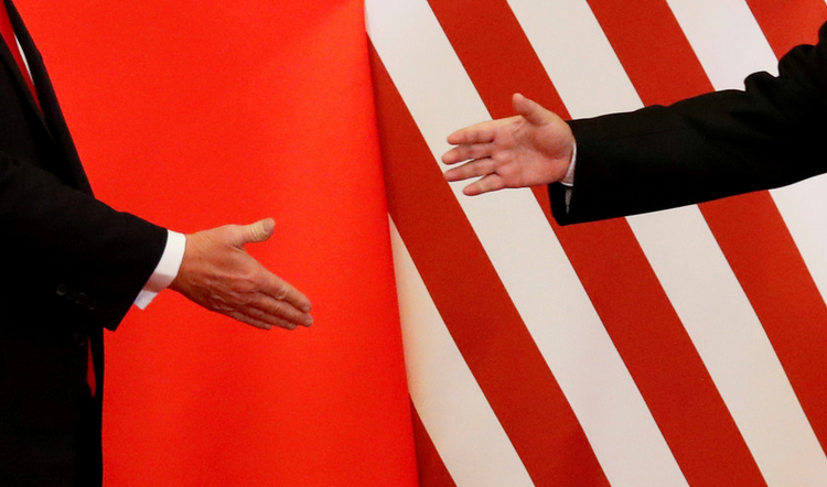 Trump assina 'fase 1' do acordo comercial com a China