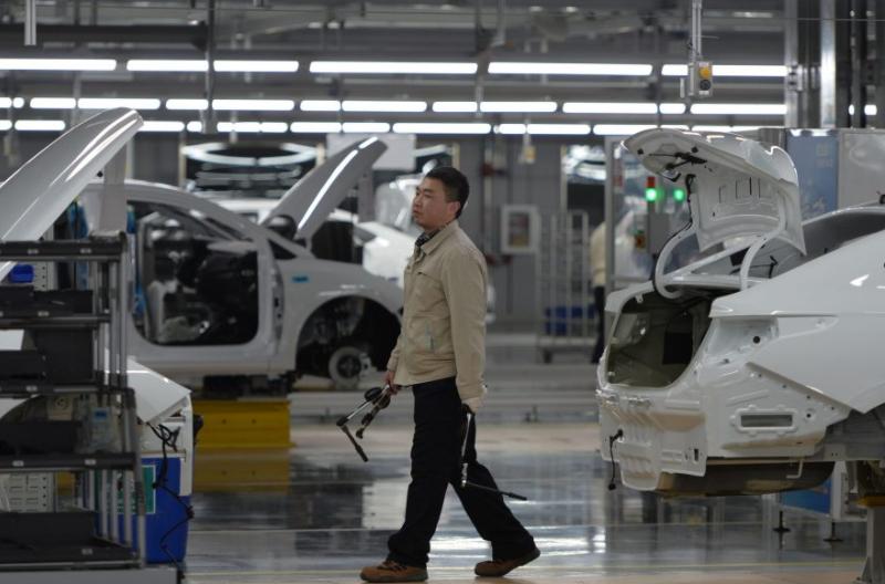Vendas de automóveis na China crescem 16,4% em julho